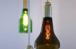 Подвесные лампы из использованных пивных бутылок