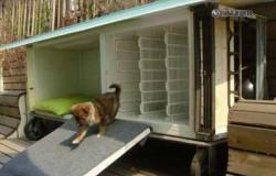 Будка для щенка из холодильника