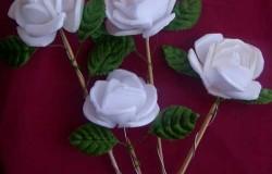 МК Цветы из подложек для продуктов