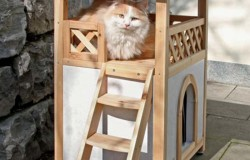 Дом для домашних животных из дерева