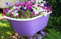 Цветники из ванны