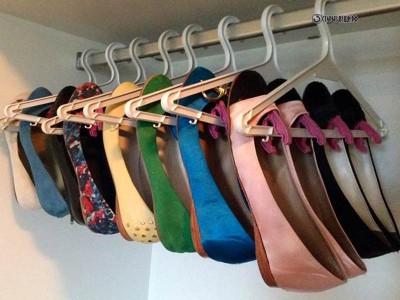 Вешалка для обуви из плечиков для одежды