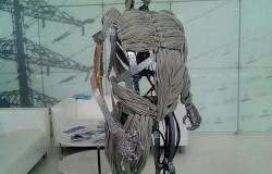 Скульптуры и поделки из старых вещей на Иннопроме