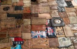 Лоскутный коврик из ярлыков от джинсов