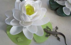 МК Лилия из пластиковых одноразовых ложек