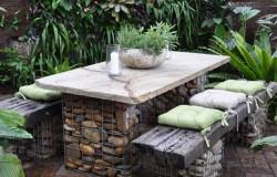Садовая мебель из камней
