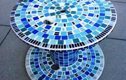 Мозаичный журнальный столик из электрокатушки