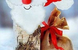 Дед Мороз и его новогодняя компания из дров-поленьев