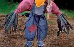 Огородное пугало-чучело своими руками для дачи