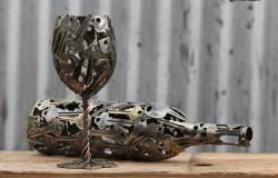 Скульптуры бокалов и ваз из замочных ключей