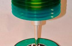 Люстры и светильники из виниловых пластинок