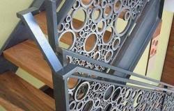 Поделки из пластиковых труб для дачи