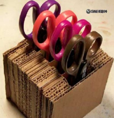Подставка для ножниц из картонной коробки
