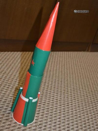 Космическая ракета из втулок от туалетной бумаги МК