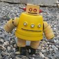roboti_iz_probok_ot_plastikovykh_butylok_14.jpg