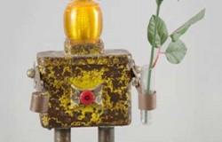 Сувениры роботы сделанные из металлолома.