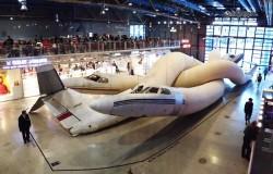 Инсталляции из старых самолетов