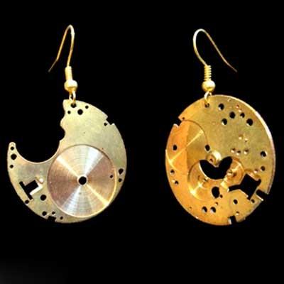 Ювелирные украшения из механизмов часов