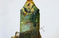 Миниатюрные скульптуры из старых кистей Ребекки Сето