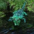 skulpturi-iz-plastikovix-butilok-2.jpg