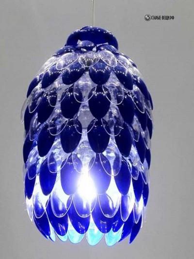 Оригинальные светильники из пластиковых ложек