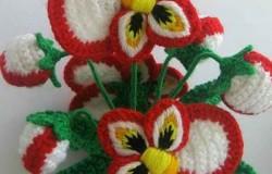 Потрясающие комнатные вязаные цветы в горшках