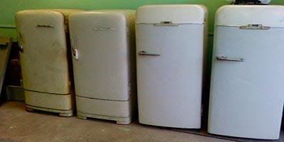 Старый холодильник поделка