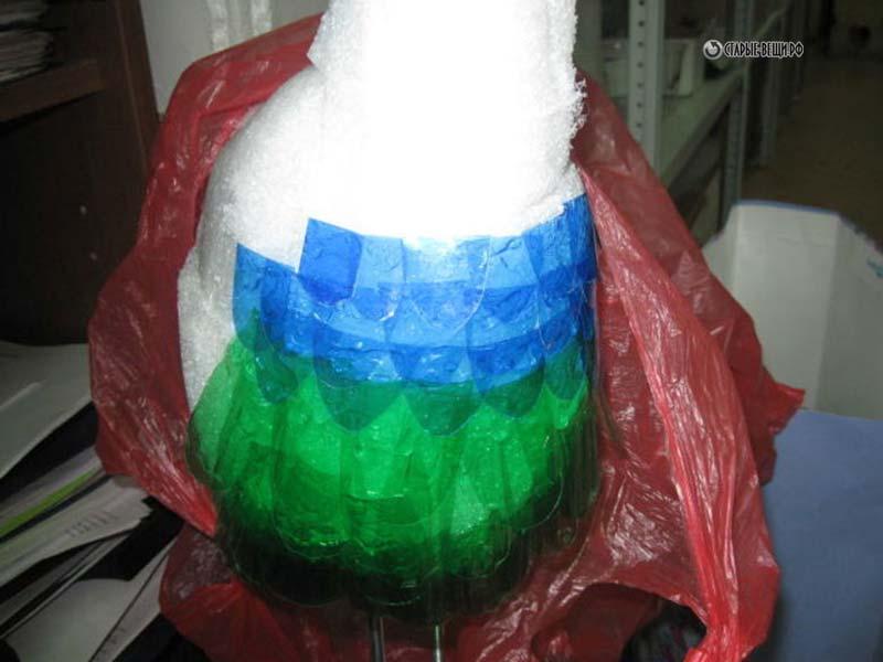 Как пошагово из пластиковых бутылок сделать павлина из пластиковых бутылок