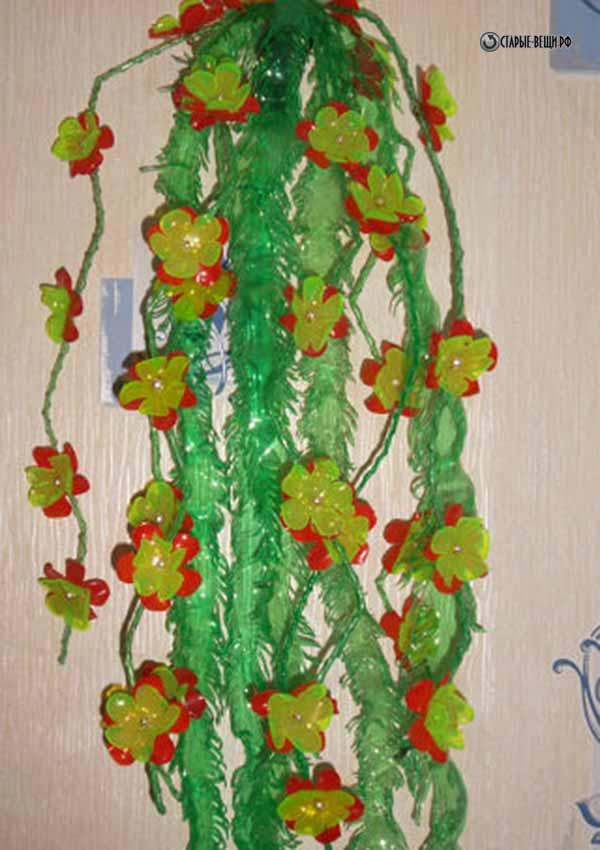 Как сделать вьющиеся цветы из пластиковой бутылки