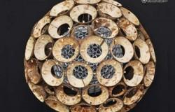 Абажур лампы из кокосовой скорлупы.