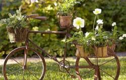 Декор для сада из старых велосипедов
