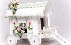 Домик на колесах из палочек от мороженого