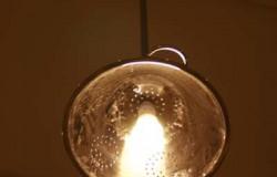 Дизайнерская лампа из дуршлага