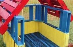 Домик для детей из старых поддонов