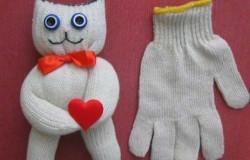 Кот из перчатки своими руками МК