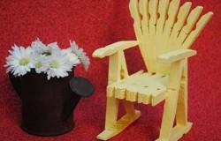 Как сделать кресло качалку для кукол из прищепок МК