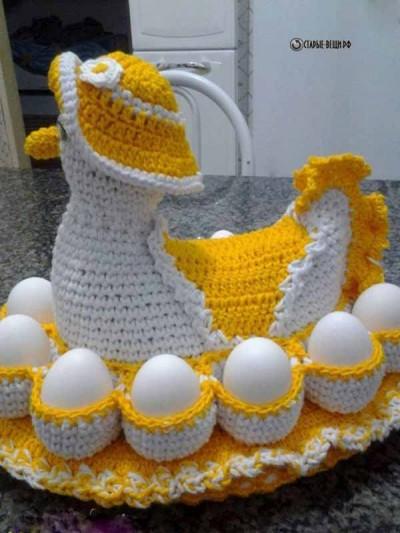 Курочка с кармашками для яиц крючком