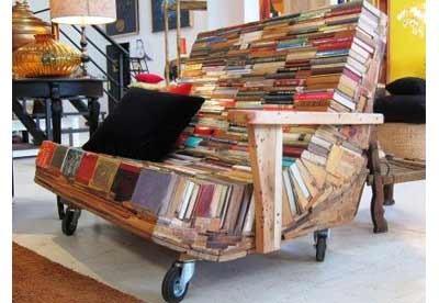Мебель из обрезков досок и старых книг от Альваро Тамарит