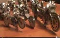 Модели мотоциклов из элементов старых часов