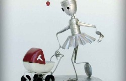 Сувениры роботы из старых вещей