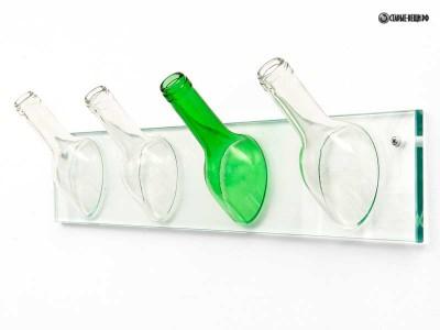 Вешалка из стеклянных бутылок.