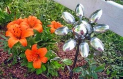 Цветы из металлических ложек и вилок своими руками